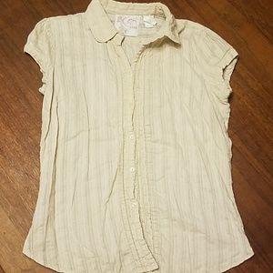 👸🧥 Button down short sleeve tan blouse